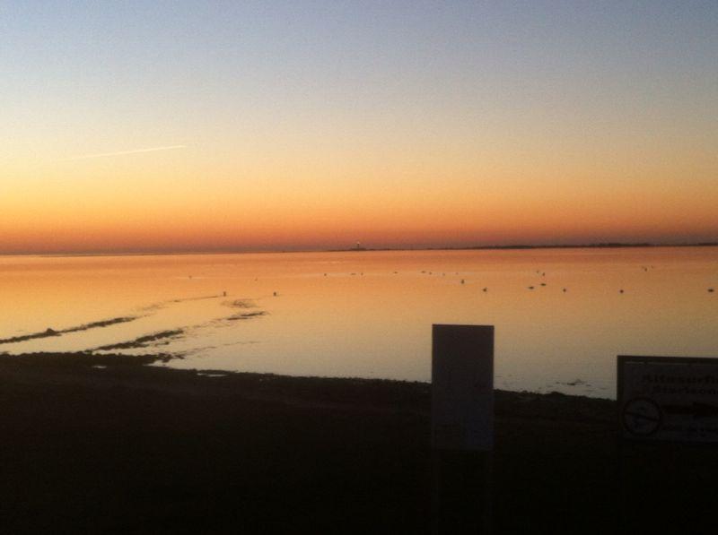 Ein traumhafter Sonnenuntergang nach einem wunderschönen Tag auf Fehmarn im März